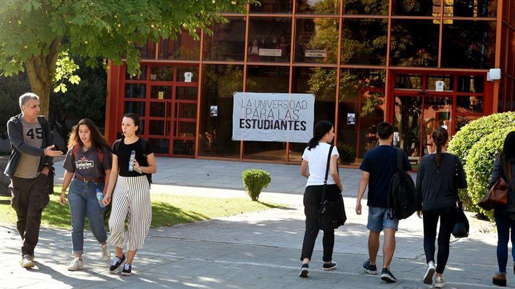 Estudiantes de la URJC exigen el reivindican sus derechos en una huelga apoyada por los profesores