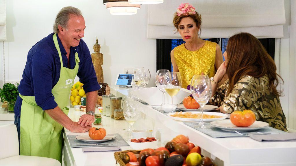 Bertín Osborne, Ágatha Ruiz de la Prada y Mariló Montero, en 'Mi casa es la vuestra'.