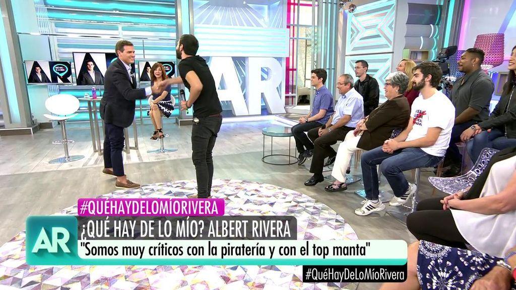 """La pregunta de un músico a Albert Rivera: """"¿Consume piratería?"""