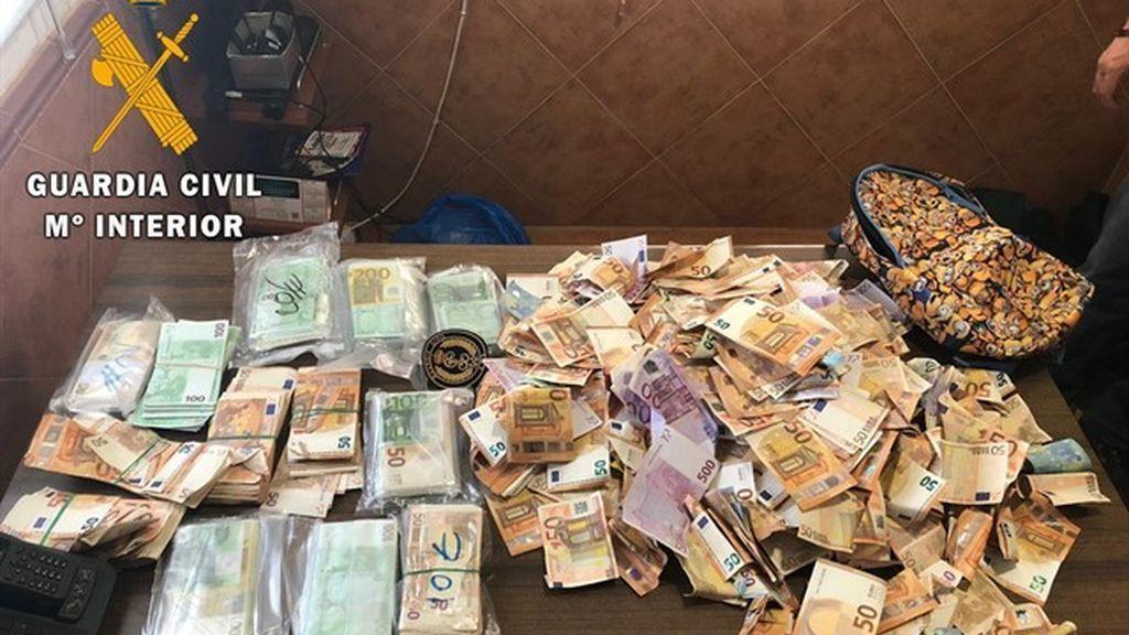 Buscan al dueño de 250 000 euros perdidos en la carretera de Tembleque
