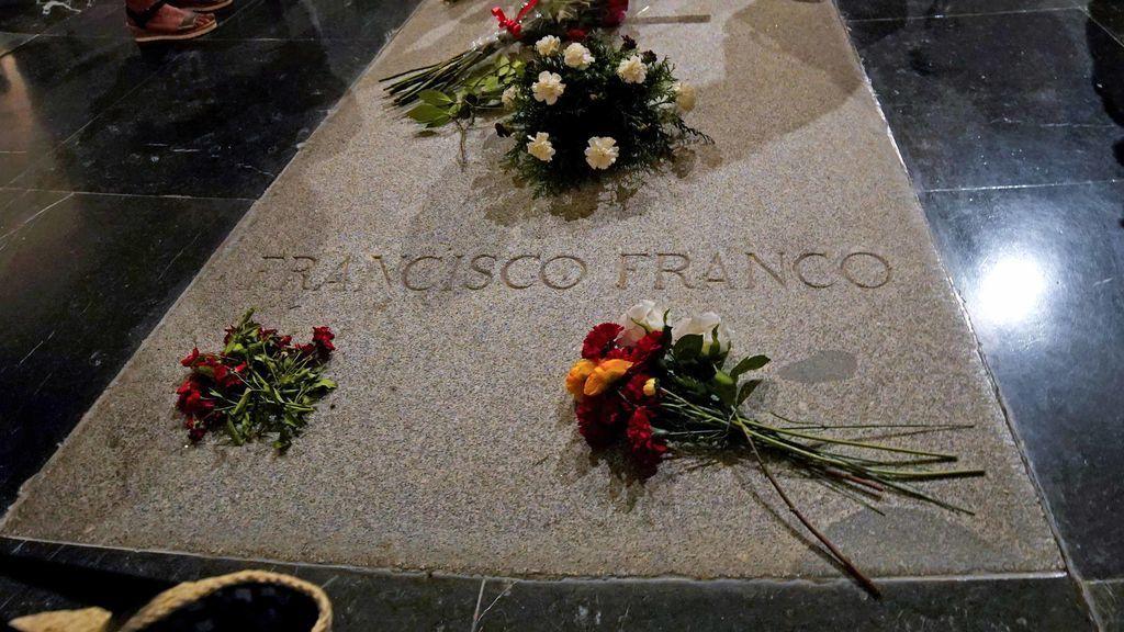 La familia Franco quiere enterrar al dictador en la cripta de la Almudena, si es exhumado