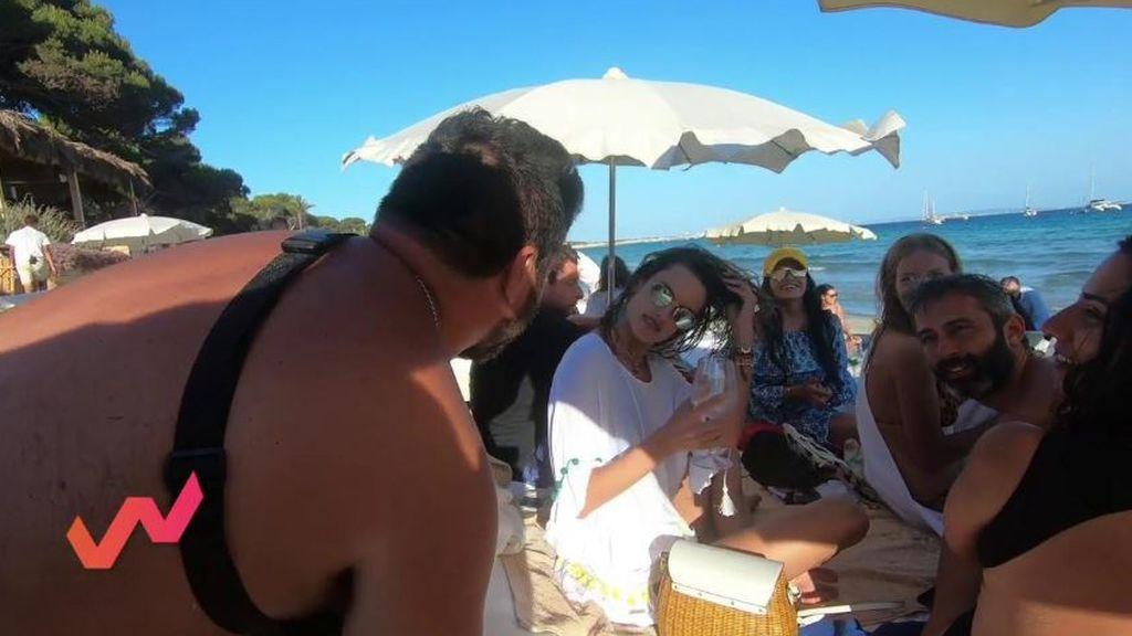 Mar Flores y Alessandra Ambrosio posan como divas para Garrido