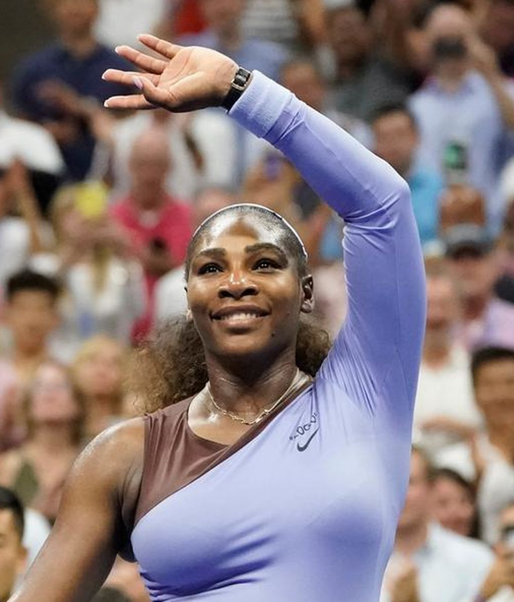 Serena Williams canta 'I touch Myself' en topless para una campaña contra el cáncer