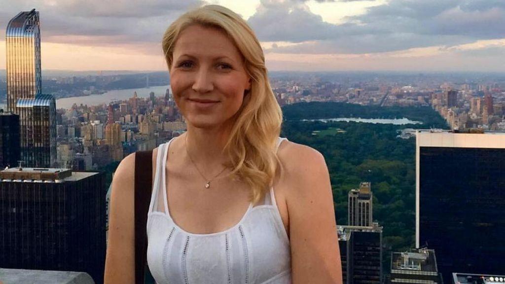 Una profesora británica es acusada de cuatro delitos de abuso a menores