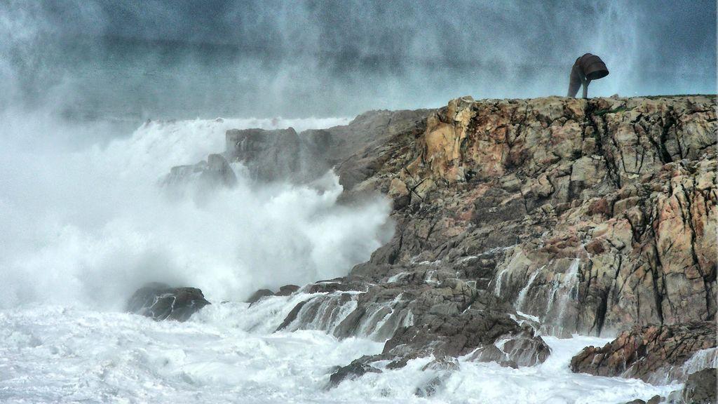 Diez provincias en aviso amarillo y naranja: rachas de viento de 80 k/h y olas de cinco metros