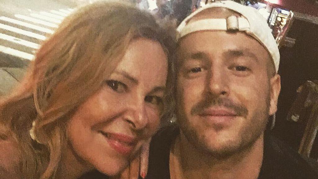 Álex Lequio aterriza en Madrid tras seis meses de lucha contra el cáncer en Nueva York