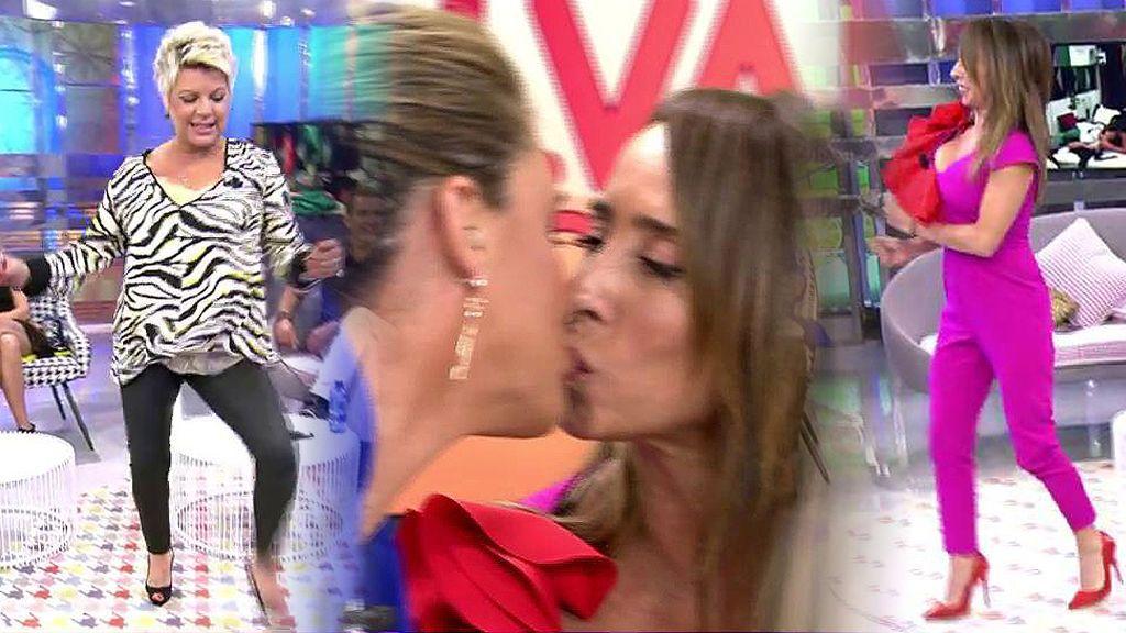 Momento loco en 'Sálvame': Las colaboradoras hacen el baile de Miriam Saavedra y Carlota se besa con Patiño