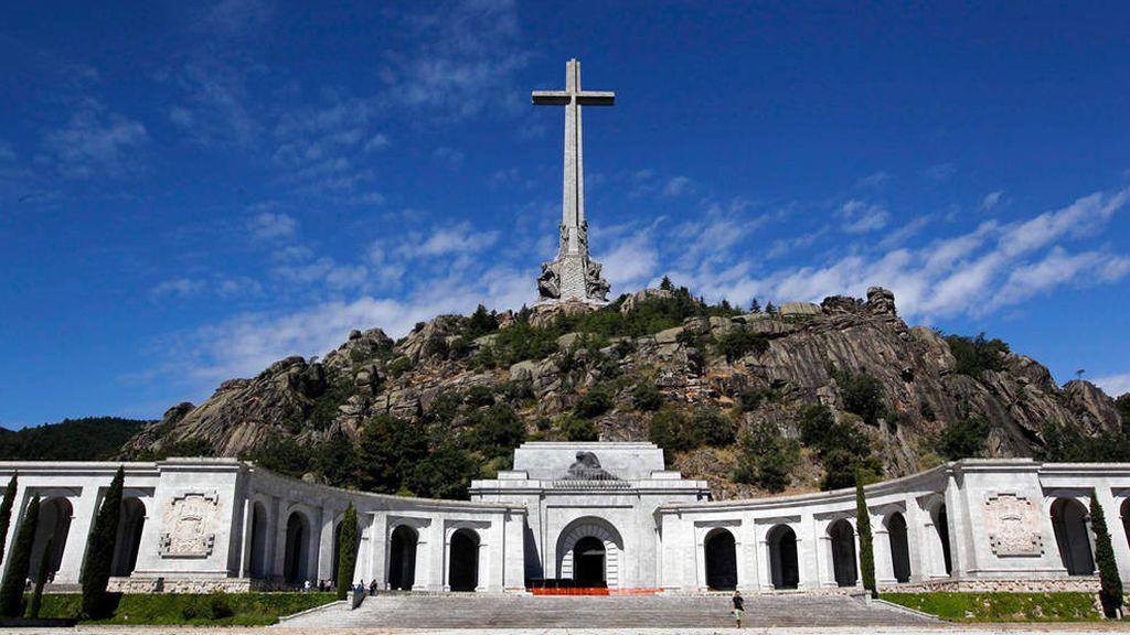 La familia de Franco pide un traslado de los restos con honores militares