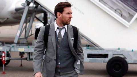 Messi sube una foto en traje y se lleva todo tipo de vaciles de Neymar y  Agüero 2fa91fd94a4