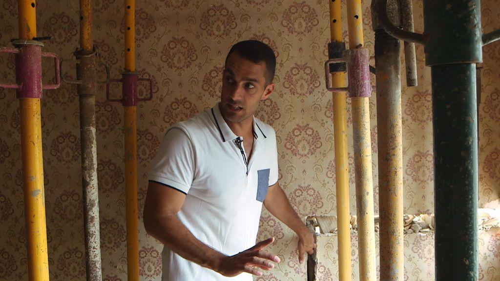 Francisco tiene su casa apuntalada por culpa de una fuga de agua