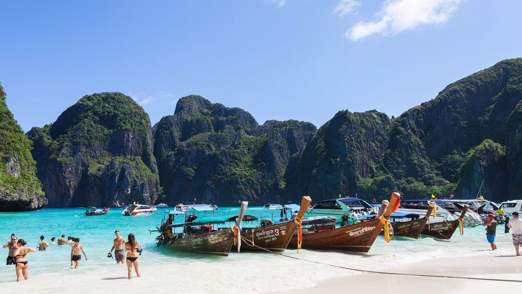 El paraíso de Maya Bay, la playa más famosa de Tailandia, echa el cierre indefinidamente