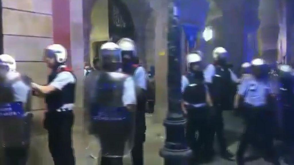 El Govern retrasó la intervención de los Mossos hasta el último momento en contra del criterio policial