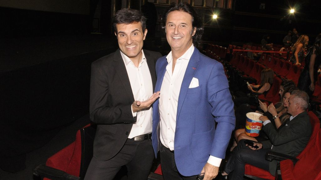 Luis Larodera y Poty Castillo, que no podía faltar en el estreno de su amiga Paula