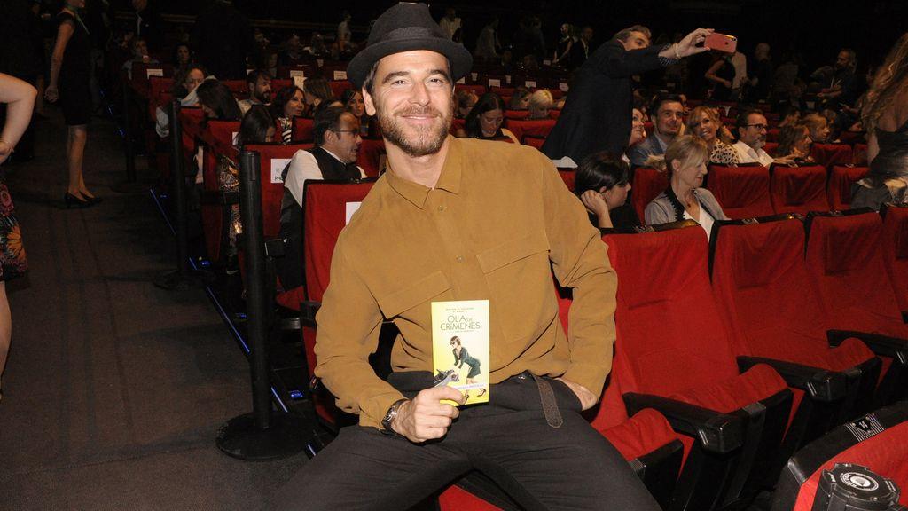 Alfonso Bassave demostrando una vez más que es uno de los más elegantes del cine español