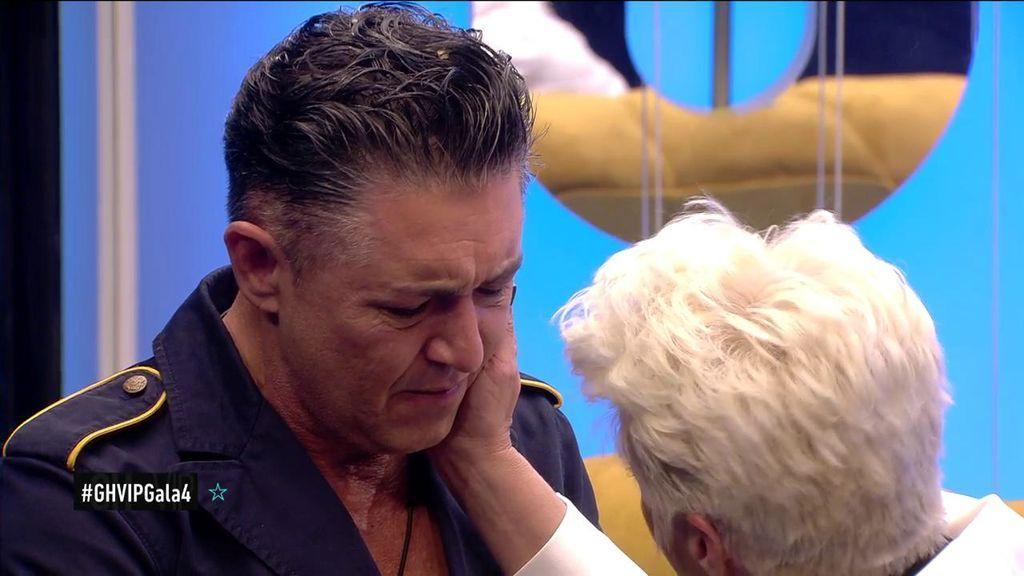 """La hermana de Ángel Garó le visita para darle una gran noticia: """"¡Estás absuelto!"""""""