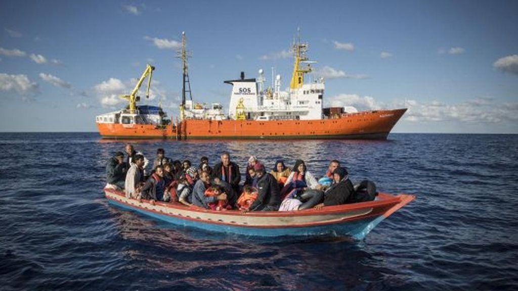 El Aquarius llega a Marsella sin saber si podrá volver a zarpar hacia aguas internacionales