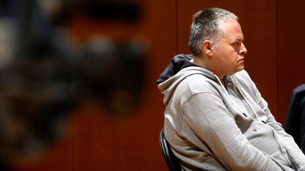 El parricida de Oza, impasible al ser declarado culpable del asesinato a golpes de su hijo de 11 años