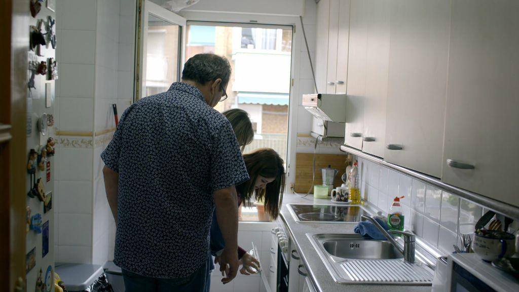 """La falta de limpieza impresiona a los Blancafort en la casa de Vallecas: """"¡No toques ahí!"""""""