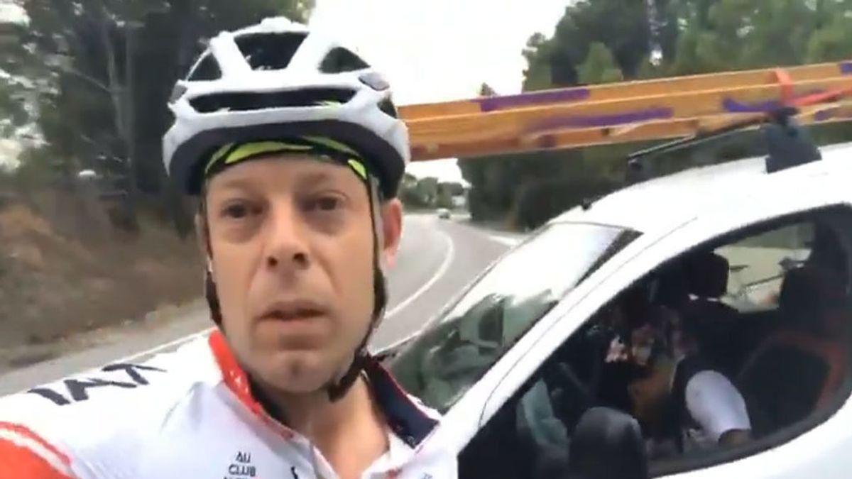 Dos ciclistas graban a tres conductores borrachos y dormidos al volante en un stop