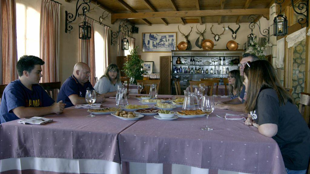 El reencuentro entre las dos familias pone las cartas sobre la mesa: ¡Demasiadas discrepancias!