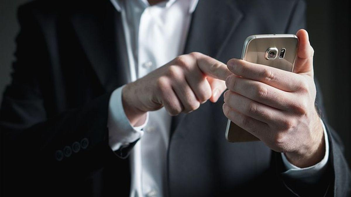 Lo acusan de violación y amenazas a su mujer y él culpa al corrector de WhatsApp