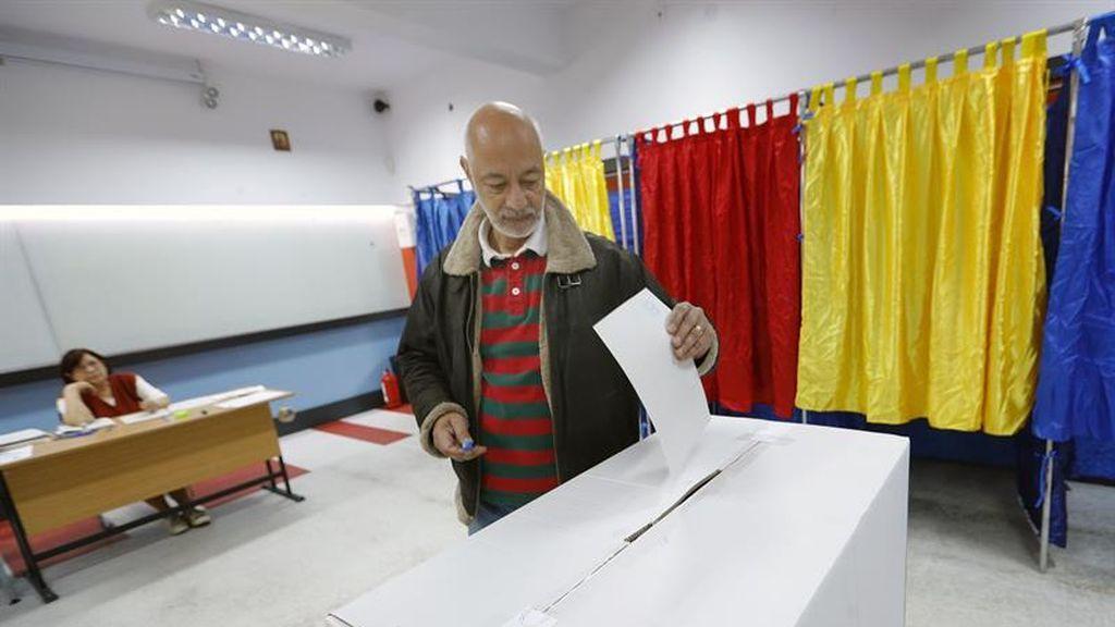 Rumanía celebra un referéndum sobre la inconstitucional del matrimonio homosexual