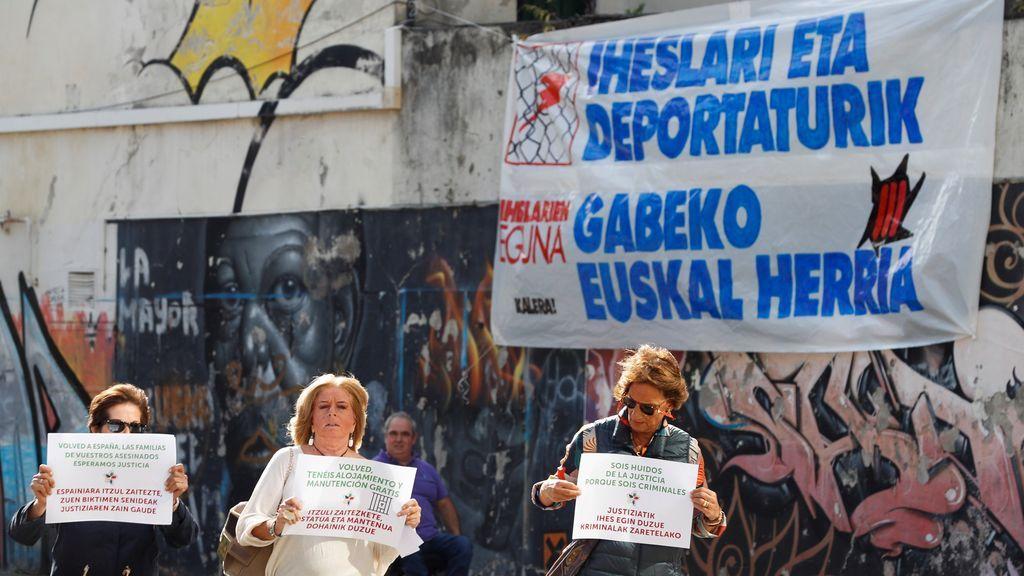 """Sortu acusa a Covite de """"reventar"""" un acto en favor de huidos de ETA"""