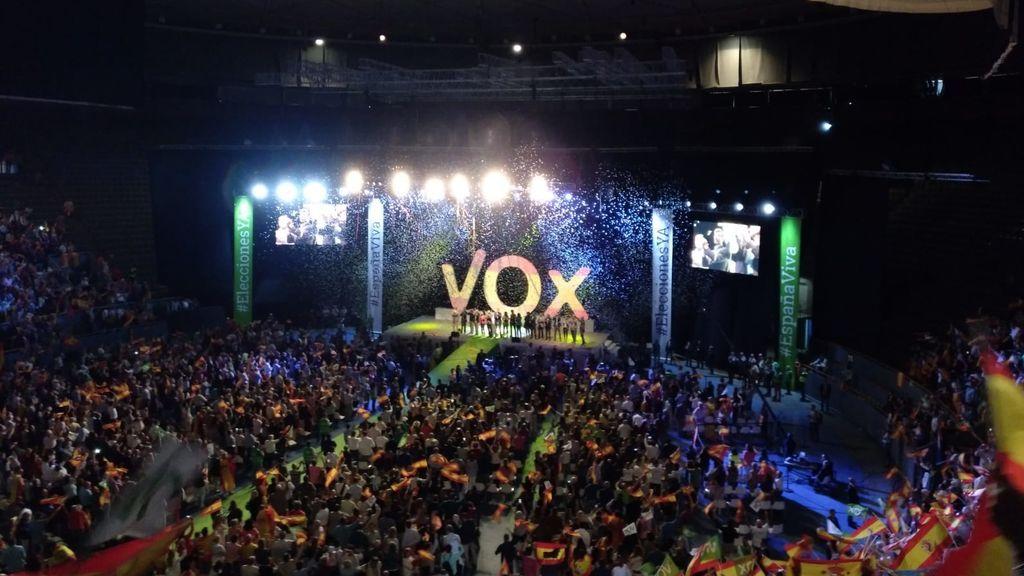 """""""Elecciones ya"""": un acto de VOX llena el Palacio de Vistalegre"""