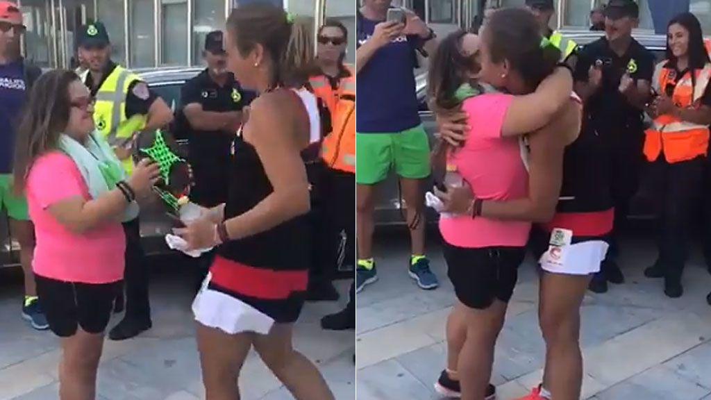 El emotivo detalle de Carolina Navarro con una joven aficionada que le pidió una foto