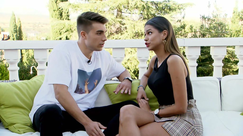 Marina y Alai pasan de los reproches a los besos en pocos minutos