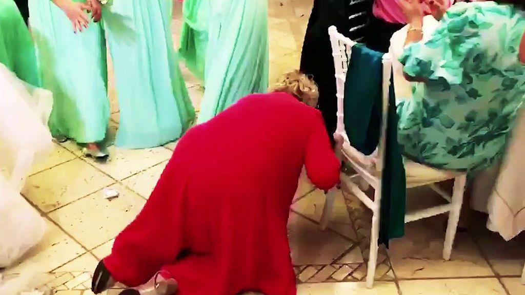 La caída de Karina y otros momentazos de la boda de su hija