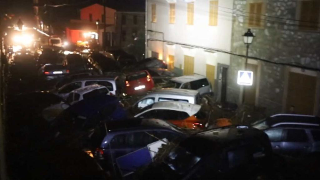 Impresionantes destrozos en Sant Llorens tras el desbordamiento de un torrente