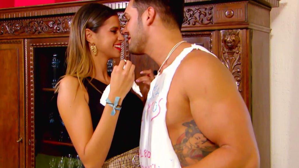 Cita inédita Marina y Santana: Todo lo que no se vio antes del beso