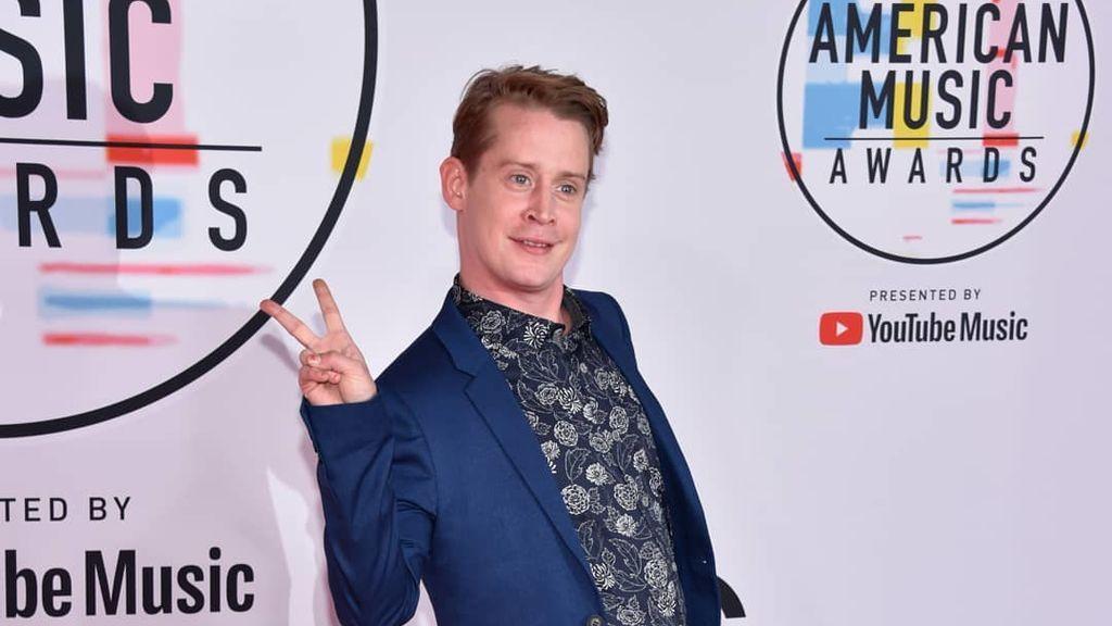 La divertida reaparición de Macaulay Culkin, una de las sorpresas de los American Music Awards
