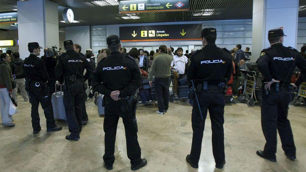 Detenido en el aeropuerto de Barajas el etarra Tontxu, huido de España desde 1980
