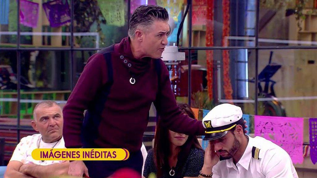 Imágenes Inéditas | Asraf rompe a llorar en 'GH VIP' y Ángel Garó le consuela