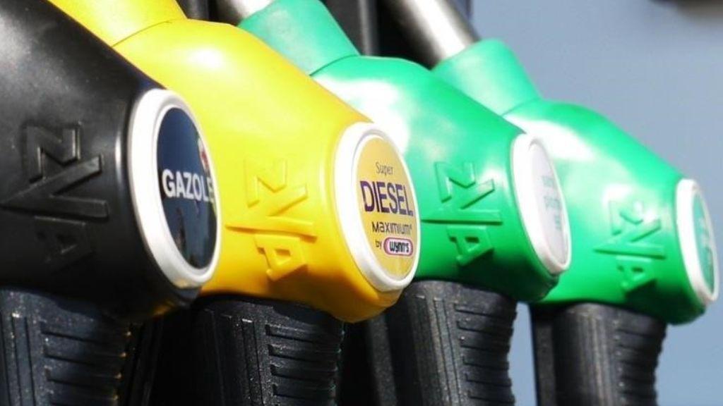 ¿Casualidad?  Gasolina y gasóleo tocan nuevos máximos desde 2014 en pleno Puente del Pilar