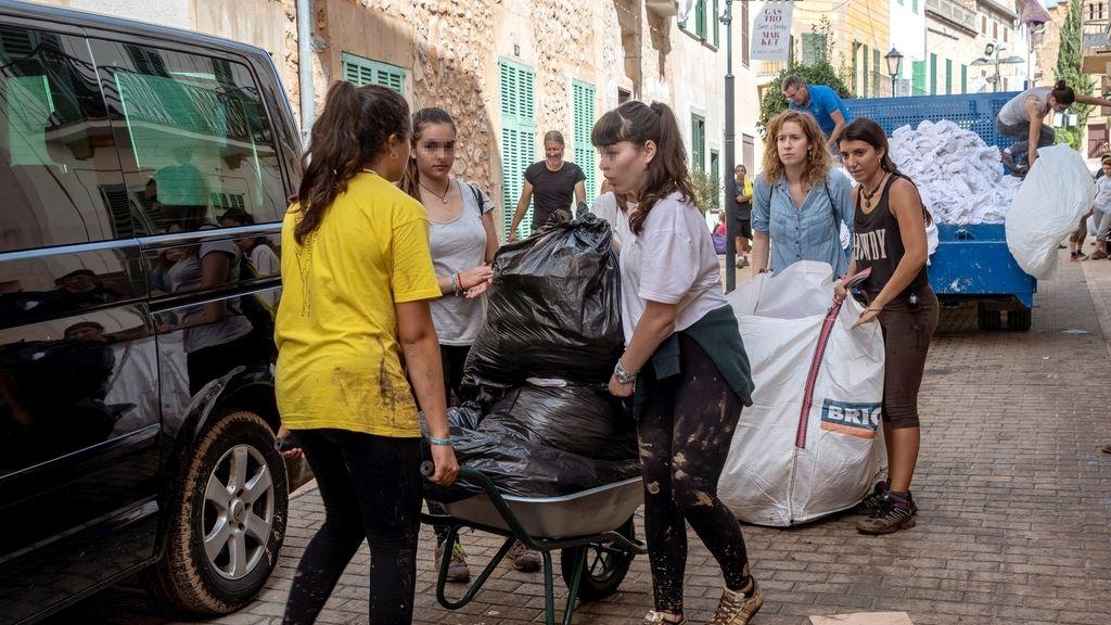 Las mejores imágenes de la solidaridad tras la tragedia de Mallorca