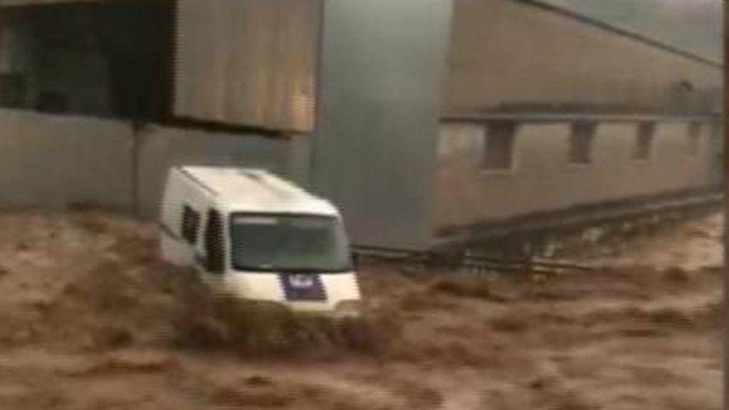 La impotencia de contemplar la devastación de la riada, desde tu propia terraza