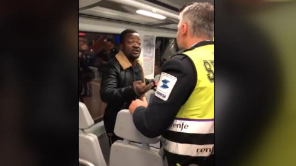 Expulsan a un pasajero negro del cercanías de Madrid por no querer enseñar el billete a los vigilantes de seguridad