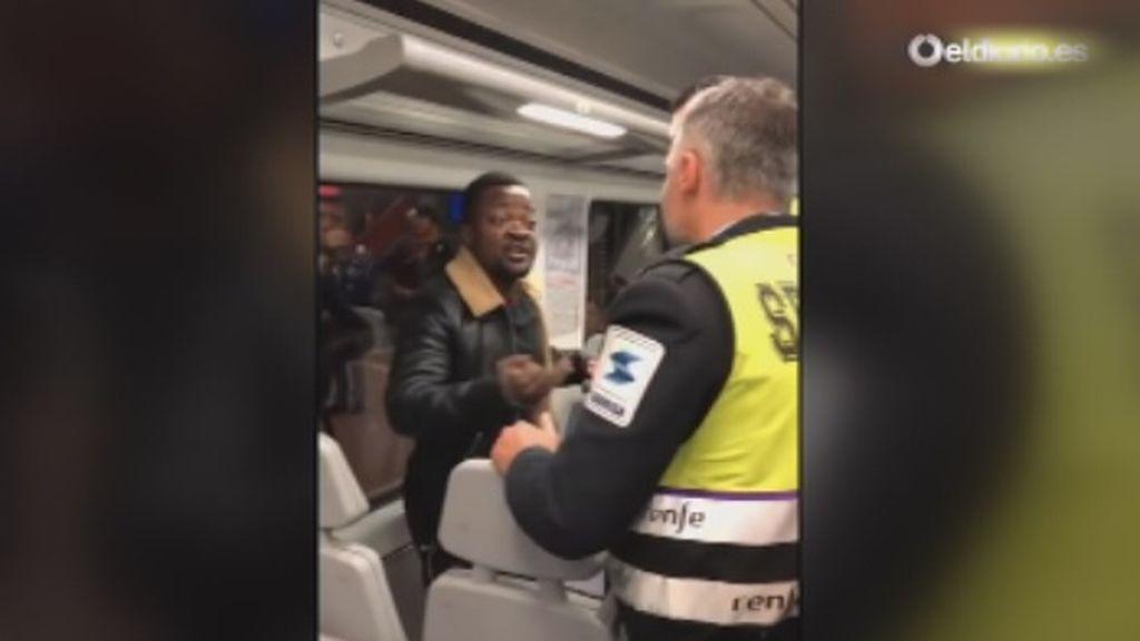 Renfe dice que los agentes de seguridad que expulsaron al hombre de color lo hicieron a petición de los viajeros