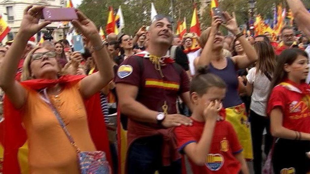 Manifestación multitudinaria en Barcelona para reivindicar la unidad de España