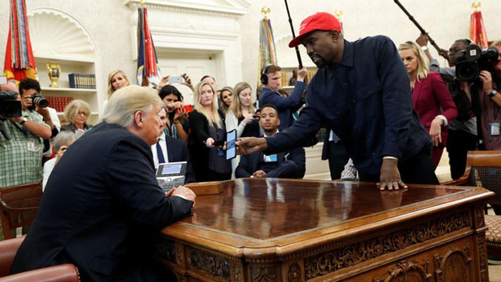 El rapero Kanye West monta el 'show' en el Despacho Oval