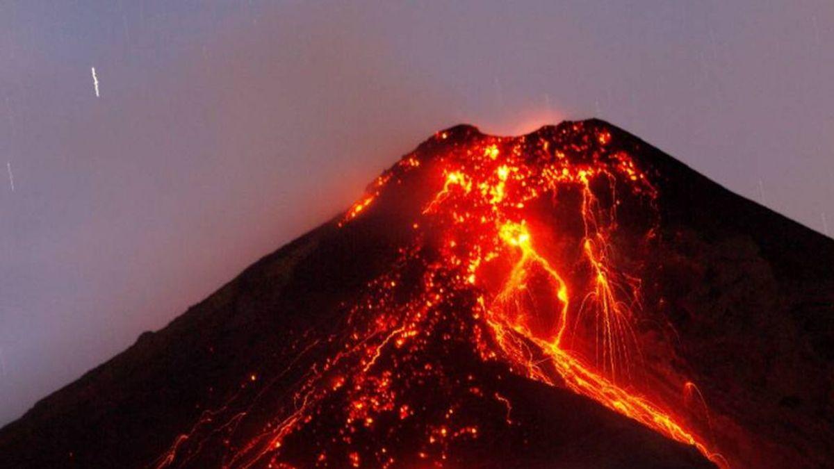 El Volcán de fuego de Guatemala retoma su actividad y siembra el miedo