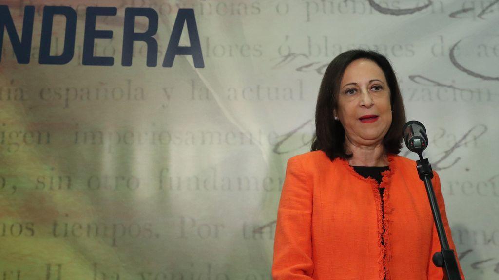 """Robles califica de """"falta de respeto"""" los abucheos a Pedro Sánchez en el desfile"""