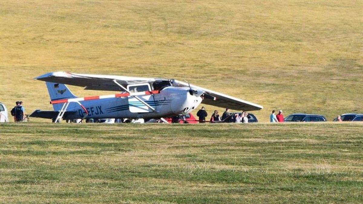 Dos adultos y un niño mueren al estrellarse un avión contra ellos en Alemania