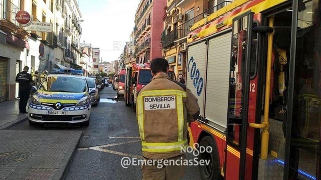 Encuentran los cuerpos de una pareja de turistas franceses con signos de asfixia en un hostal de Sevilla