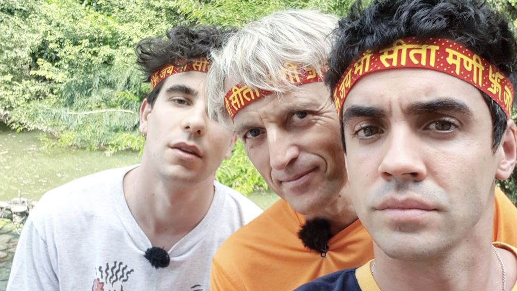 Javier Calvo, Jesús Calleja y Javier Ambrossi, protagonistas de la segunda parte de la travesía por el Ganges.