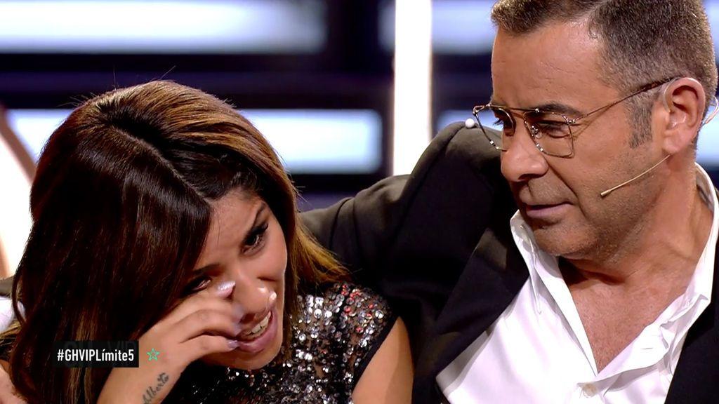 Isa Pantoja se agobia y llora por Asraf