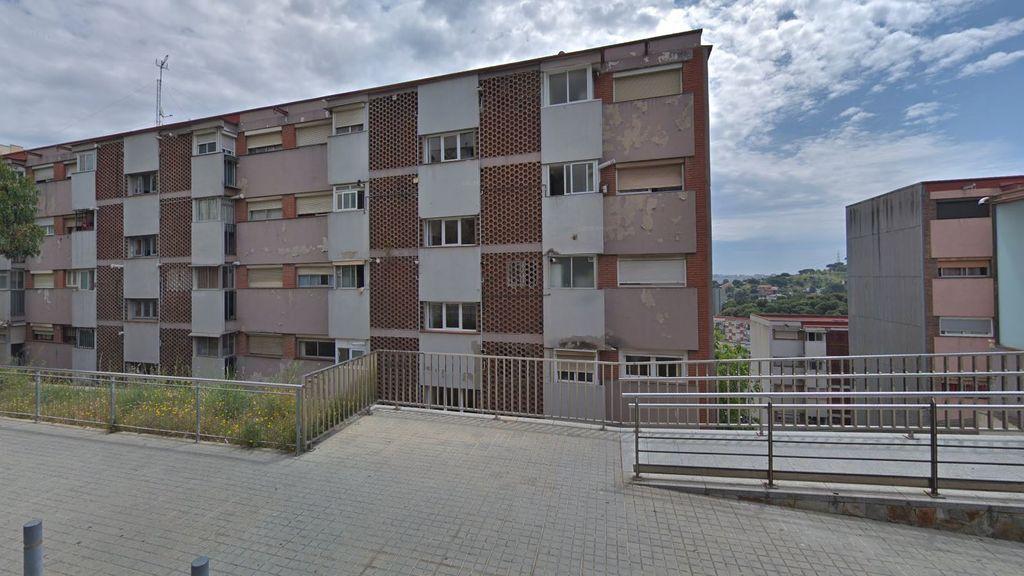 Un niño de 21 meses, en estado muy crítico tras caer de un quinto piso en Barcelona
